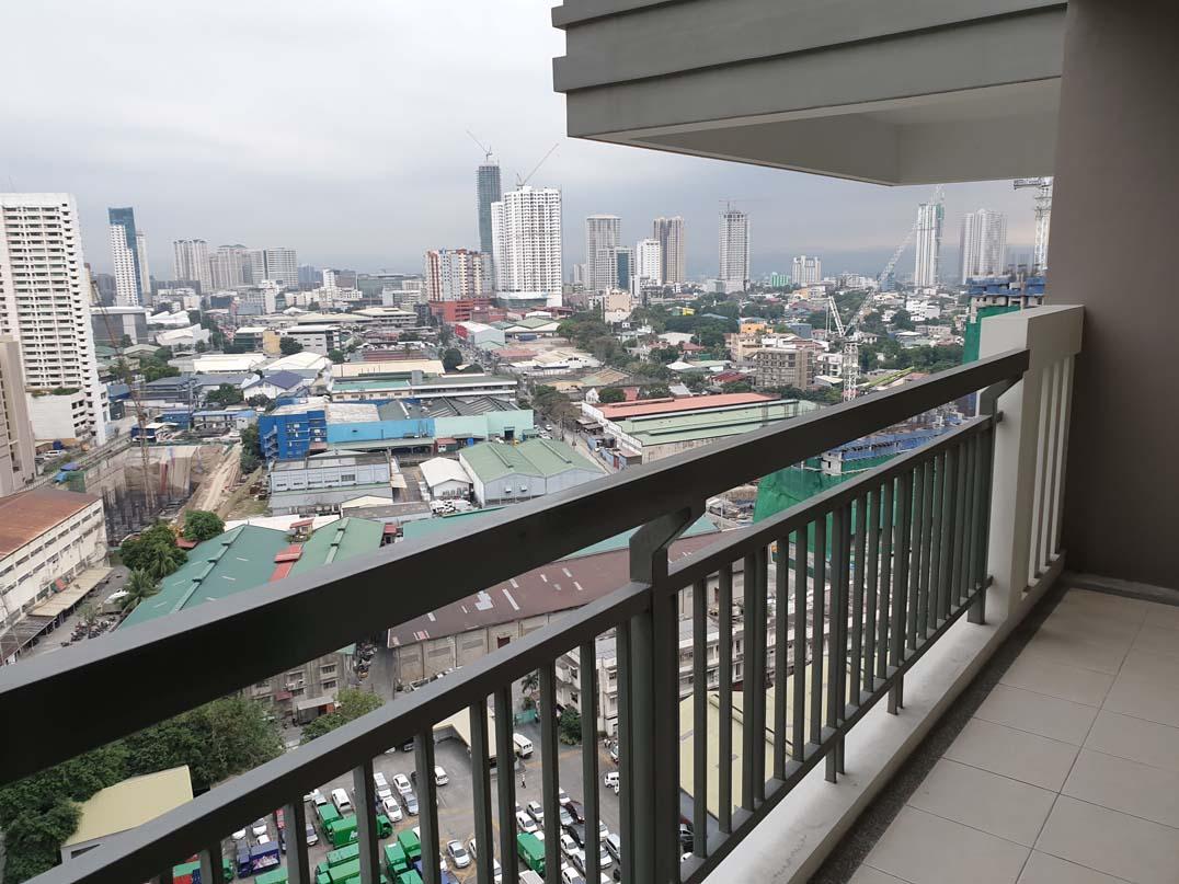 Sheridan Towers - Balcony